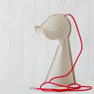 Lámpara de cartón reciclado