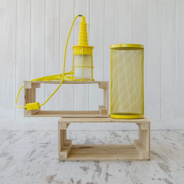 Lámpara Ubiqua y embalaje – Amarilla