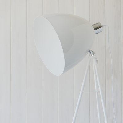 Pie de salón metálico blanco