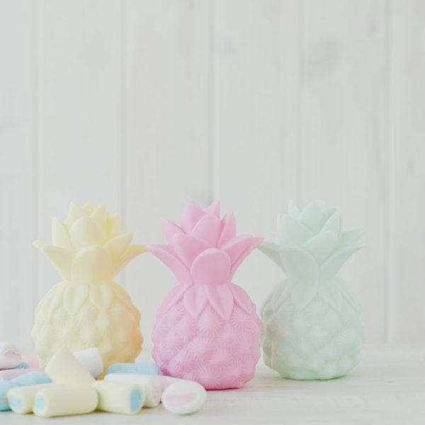 quitamiedos-infantil-piña-amarilla-mint-rosa