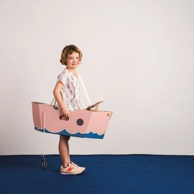 Disfraz barco – barco de cartón – barco rosa – Mister Tody – Cosplay – Carnaval – Juegos – Cumpleaños infantil – Liderlamp – Regalo niños – Ilumina tus sueños (1)