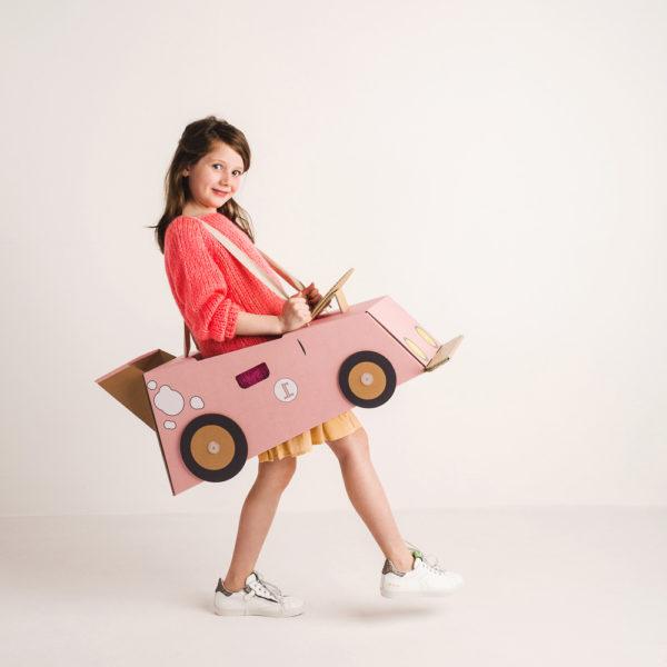 Disfraz coche - coche de cartón - coche rosa - Mister Tody - Cosplay - Carnaval - Juegos - Cumpleaños infantil - Liderlamp - Regalo niños - Ilumina tus sueños (5)