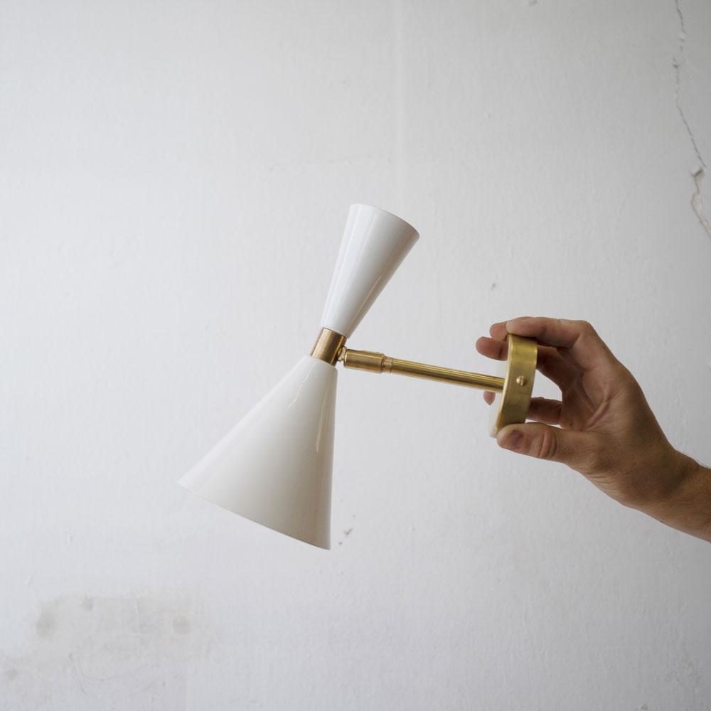 Aplique Alma - blanco y negro - New Mid Century - iluminacion hogar - Liderlamp