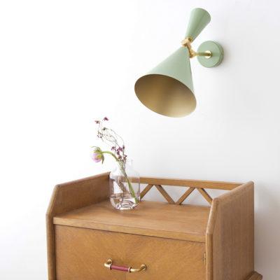 Aplique Belén - new midcentury - verde antiguo - dorado