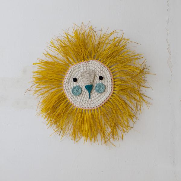 Leon – melena mostaza y coloretes mint – Decoracion de pared – Artesanal- Liderlamp
