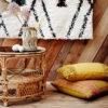 Cojin mostaza con borlas – tejido lino – decoracion textil – boho – Liderlamp (4)