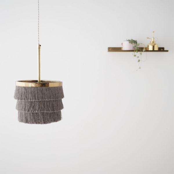Colgante Falla – lámpara flecos – dorado – cable trenzado – Liv interiors