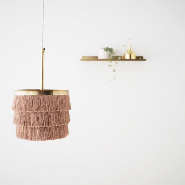 Colgante Zarzuela – lampara flecos – dorado – cable trenzado – Liv interiors – Liderlamp