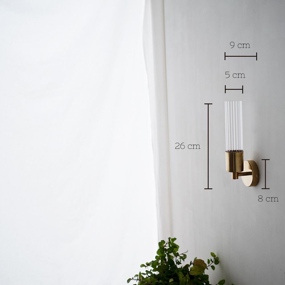 Aplique Lais - New Mid Century - latón y cristal estriado - iluminacion pared - Liderlamp
