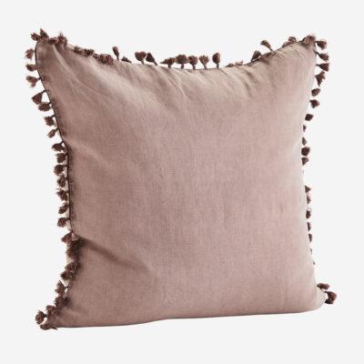 Funda de cojin con borlas rosa - 60x60 - madam slotz - decoracion textil - Liderlamp