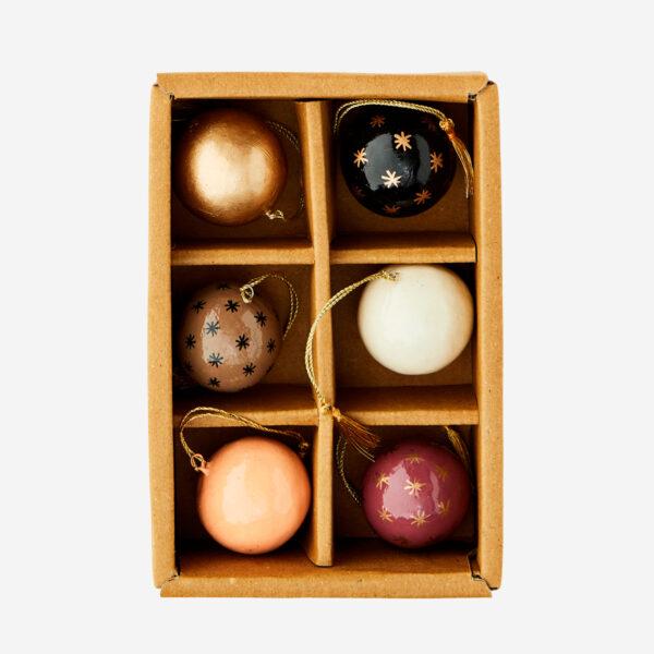 Set de 6 bolas de papel mache – adorno – bola de navidad – Madam Stoltz – Liderlamp (1)