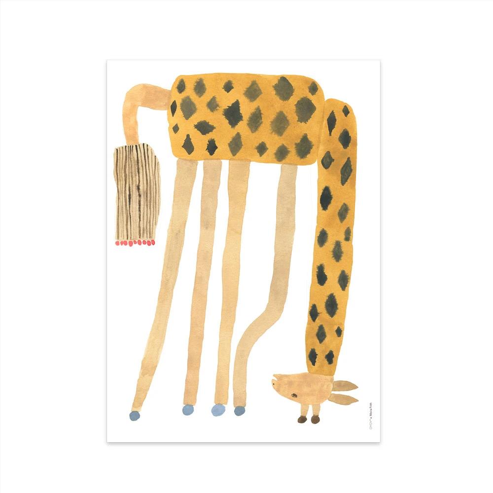 Lamina Noah Giraffe Upside Down - Oyoy - Ilustracion - Jirafa - Infantil - Liderlamp (1)
