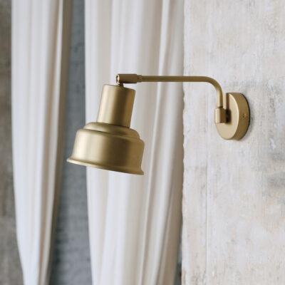 Aplique Doris - estilo industrial - brazo - articulado - laton pulido - Liderlamp