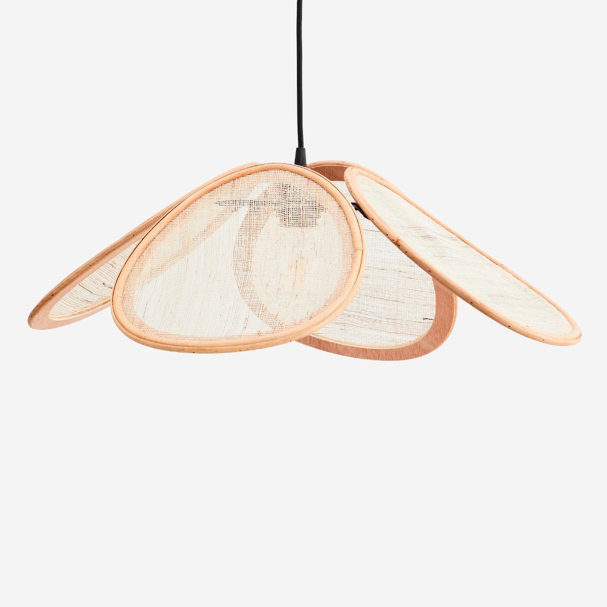 Colgante Damburi - Madam Stoltz - ratan y lino - lampara petalos - Liderlamp (1)