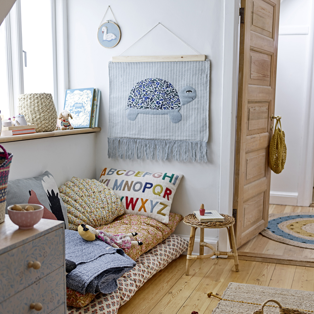 Cojin ABCD - color natural - textil - decoracion ninos - cama infantil - Liderlamp (1)