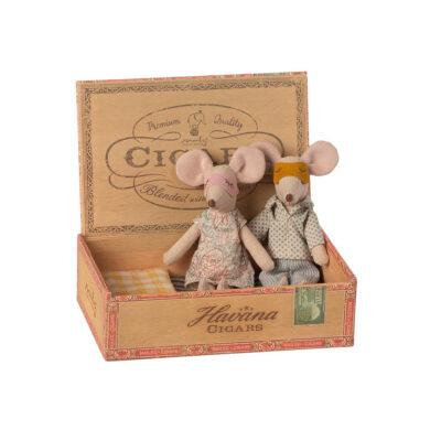 Mama y Papa Raton + Caja de Cigarros - regalo ninos - juguetes - Maileg - Liderlamp (1)